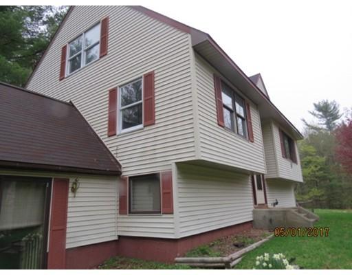 Casa Unifamiliar por un Venta en 253 E Hill Road Leyden, Massachusetts 01337 Estados Unidos