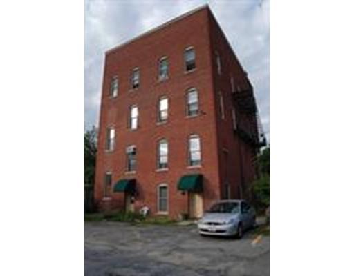 Casa Unifamiliar por un Alquiler en 60 Hopedale Street Hopedale, Massachusetts 01747 Estados Unidos