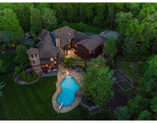 Maison unifamiliale pour l Vente à 74 Coles Meadow Road Northampton, Massachusetts 01060 États-Unis