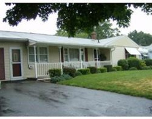 79 Acrebrook Dr, Chicopee, MA 01020