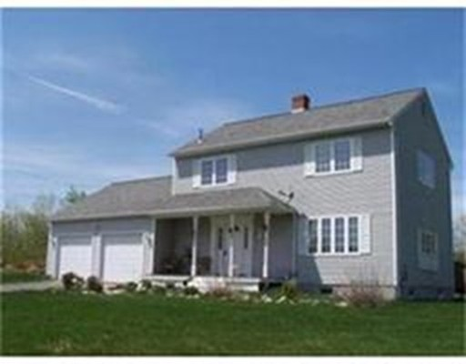 Single Family Home for Sale at 88 Crest Lane Granville, Massachusetts 01034 United States