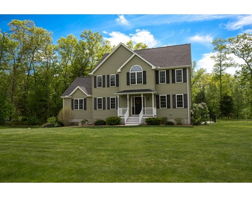 Single Family Home for Sale at 2 Queen Circle Dudley, Massachusetts 01571 United States