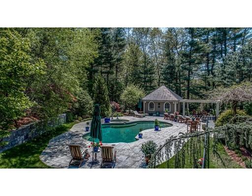 واحد منزل الأسرة للـ Sale في 60 Lantern Lane 60 Lantern Lane Needham, Massachusetts 02492 United States