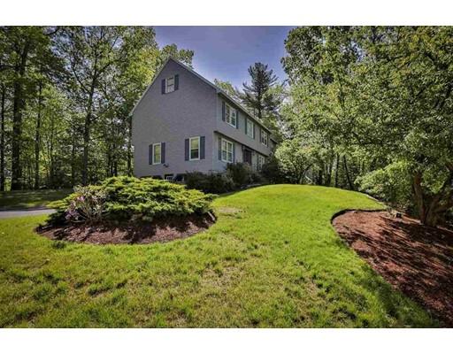 واحد منزل الأسرة للـ Sale في 21 Cathedral Circle 21 Cathedral Circle Nashua, New Hampshire 03063 United States