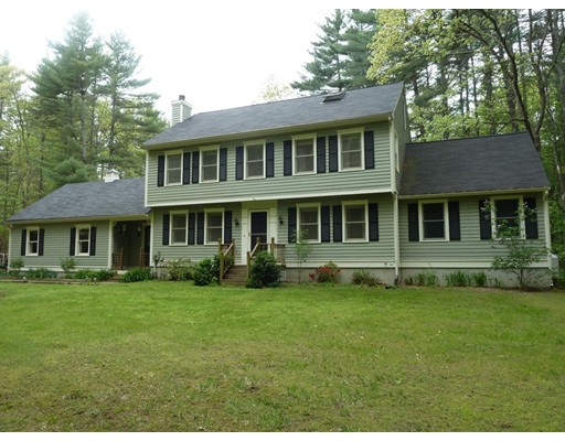 Single Family Home for Sale at 415 River Street Dunstable, Massachusetts 01827 United States