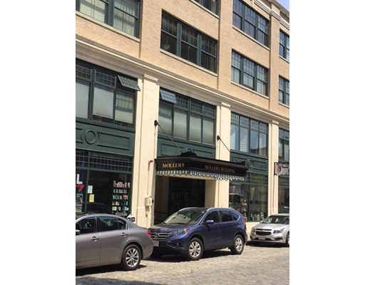 22-33 Middle St 9, Lowell, MA 01852