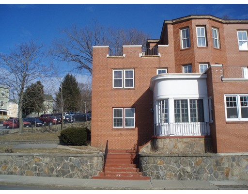 Additional photo for property listing at 53 E Central Street  Worcester, Massachusetts 01605 Estados Unidos