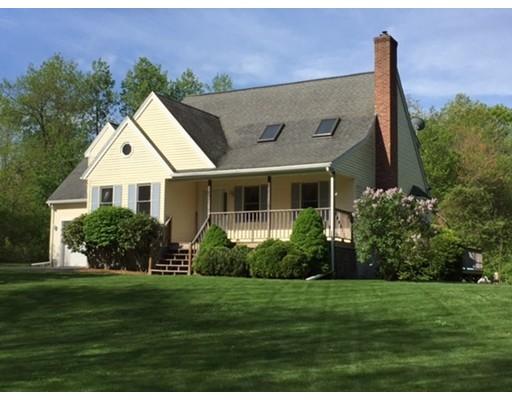 واحد منزل الأسرة للـ Sale في 1282 Wauwinet Road Barre, Massachusetts 01005 United States