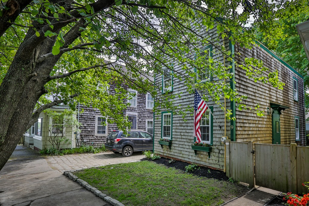9 Bromfield St, Newburyport, MA - USA (photo 1)