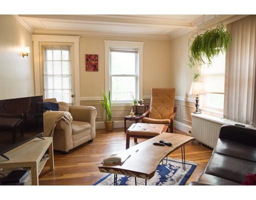独户住宅 为 出租 在 414 Belgrade Avenue 波士顿, 马萨诸塞州 02132 美国