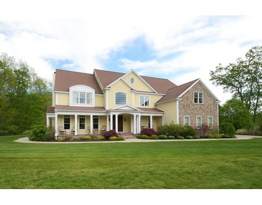 Maison unifamiliale pour l Vente à 11 Settlers Road Northborough, Massachusetts 01532 États-Unis