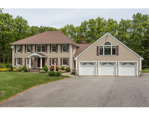 Single Family Home for Sale at 17 Concord Coach Drive 17 Concord Coach Drive Salem, New Hampshire 03079 United States