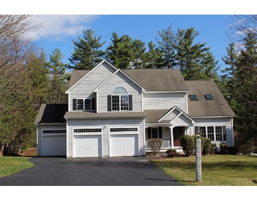 Single Family Home for Sale at 6 Tanglewood Drive Nashua, New Hampshire 03062 United States