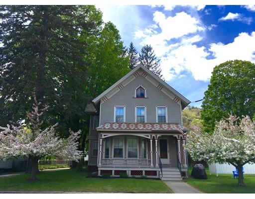 Maison unifamiliale pour l Vente à 34 Main Street 34 Main Street Shelburne, Massachusetts 01370 États-Unis