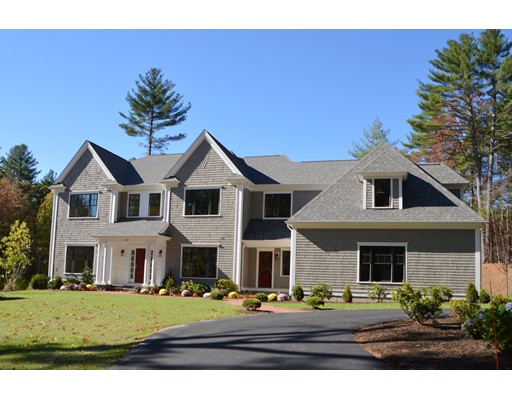 Maison unifamiliale pour l Vente à 155 Whitman Road 155 Whitman Road Needham, Massachusetts 02492 États-Unis