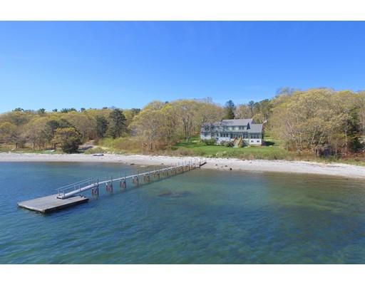 Частный односемейный дом для того Продажа на 438 Scraggy Neck Road Bourne, Массачусетс 02534 Соединенные Штаты