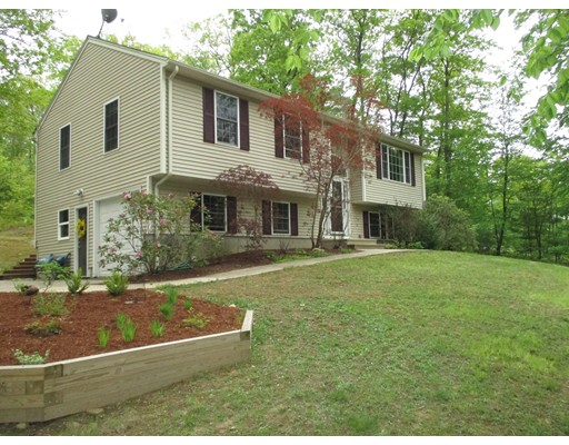 Single Family Home for Sale at 106 Fiskdale Road Brookfield, Massachusetts 01506 United States