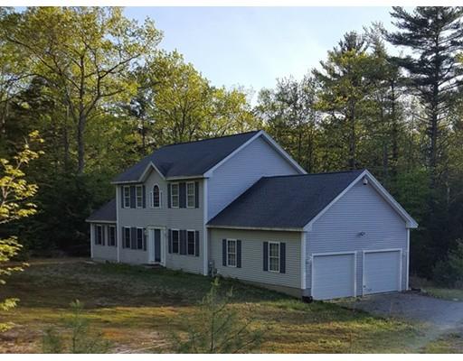 Maison unifamiliale pour l Vente à 325 Mellen Road Winchendon, Massachusetts 01475 États-Unis