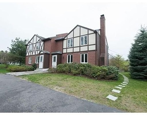 Additional photo for property listing at 26 Hammond Pond PKWY  Brookline, Massachusetts 02467 United States