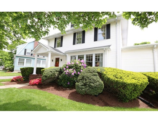 独户住宅 为 销售 在 21 Grace Road 梅福德, 马萨诸塞州 02155 美国