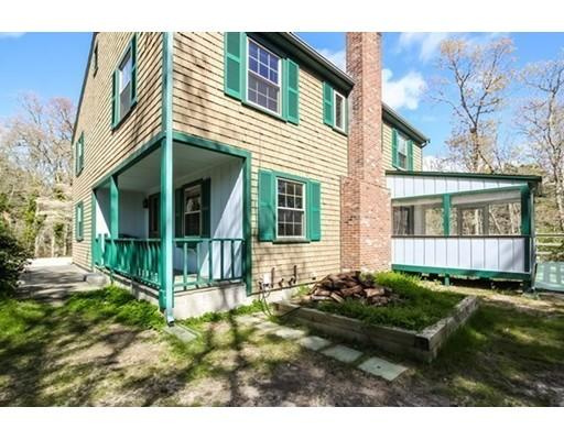 واحد منزل الأسرة للـ Sale في 270 Cranview Road Brewster, Massachusetts 02631 United States