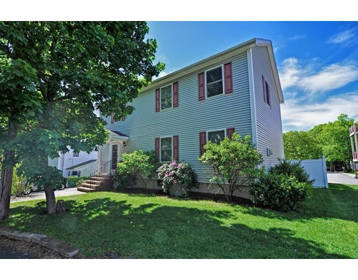 Частный односемейный дом для того Продажа на 27 Horne Avenue Medford, Массачусетс 02155 Соединенные Штаты