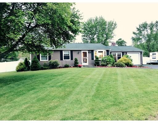 Частный односемейный дом для того Продажа на 27 Glen Oaks Drive Cumberland, Род-Айленд 02864 Соединенные Штаты
