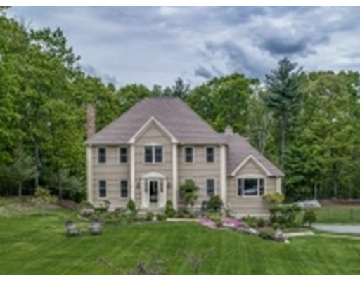 Single Family Home for Sale at 79 Robbs Hill Road Lunenburg, Massachusetts 01462 United States