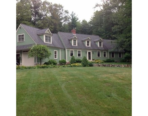 واحد منزل الأسرة للـ Sale في 4 Colonial Drive Merrimac, Massachusetts 01860 United States