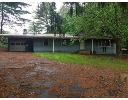 Maison unifamiliale pour l Vente à 184 N Brookfield Road East Brookfield, Massachusetts 01515 États-Unis