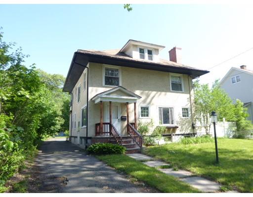 独户住宅 为 销售 在 104 KINGS HWY 104 KINGS HWY West Springfield, 马萨诸塞州 01089 美国