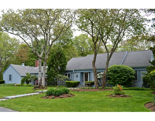 Single Family Home for Sale at 9 West Hill Road Mattapoisett, 02739 United States