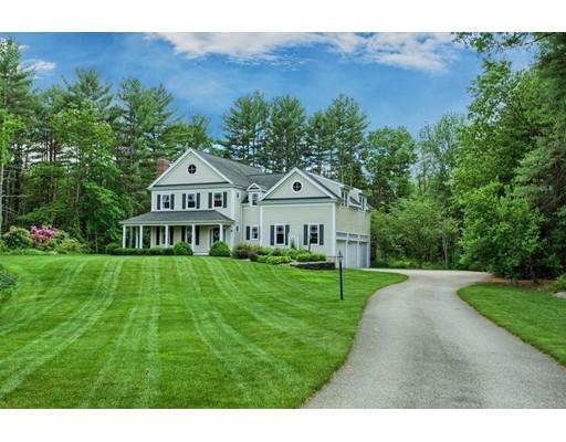 Casa Unifamiliar por un Venta en 19 Davis Road Carlisle, Massachusetts 01741 Estados Unidos