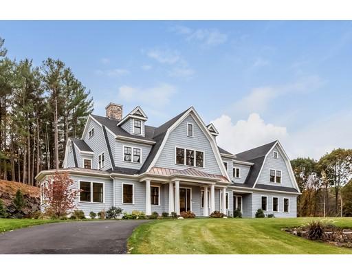 واحد منزل الأسرة للـ Sale في 8 Scotch Pine Road 8 Scotch Pine Road Weston, Massachusetts 02493 United States