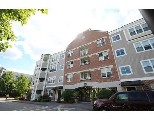 Additional photo for property listing at 320 Rindge Avenue  Cambridge, Massachusetts 02140 Estados Unidos