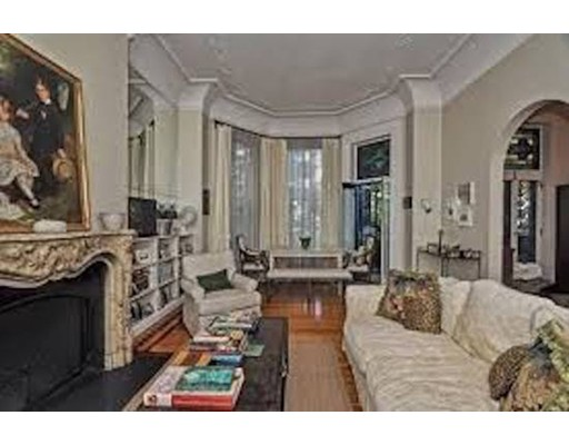 Casa Unifamiliar por un Alquiler en 327 Commonwealth Boston, Massachusetts 02115 Estados Unidos