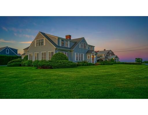 واحد منزل الأسرة للـ Sale في 24 Ocean Avenue Falmouth, Massachusetts 02536 United States