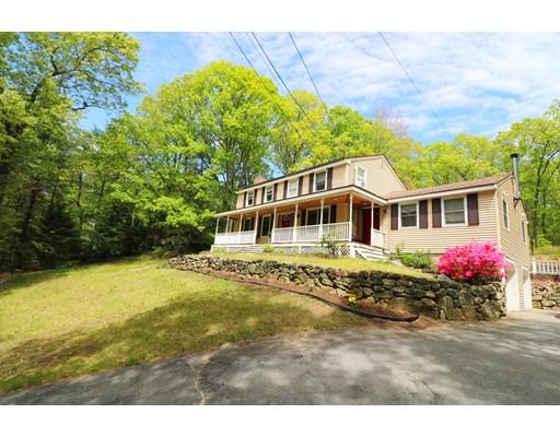 Maison unifamiliale pour l Vente à 8 Davis Road Tyngsborough, Massachusetts 01879 États-Unis