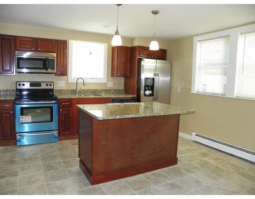 واحد منزل الأسرة للـ Sale في 307 LAUREL Street Manchester, New Hampshire 03103 United States