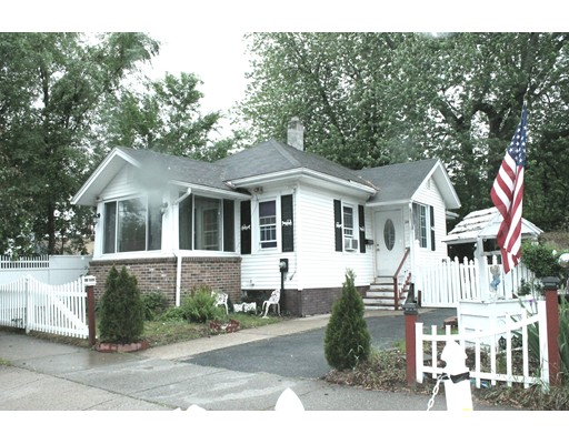 20 Margerie St, Springfield, MA 01109