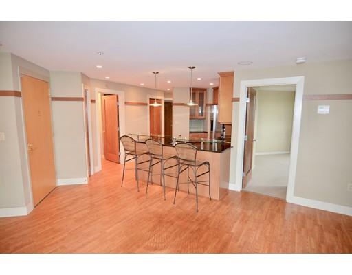 Appartement en copropriété pour l à louer à 2001 Marina Dr #517 2001 Marina Dr #517 Quincy, Massachusetts 02171 États-Unis