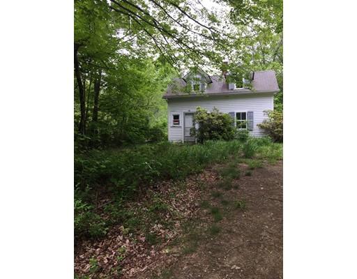 واحد منزل الأسرة للـ Sale في 26 Bunyan Road 26 Bunyan Road Monson, Massachusetts 01057 United States