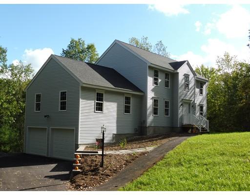 Maison unifamiliale pour l Vente à 1 Pail Factory Road Templeton, Massachusetts 01468 États-Unis
