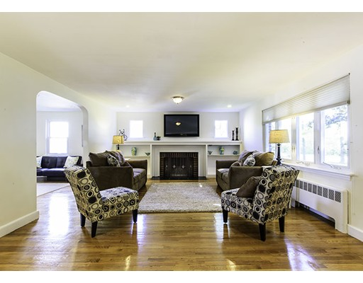 62 Hastings Ln, Medford, MA 02155