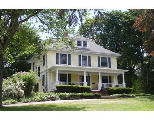 Casa para uma família para Venda às 36 Walnut Street Abington, Massachusetts 02351 Estados Unidos