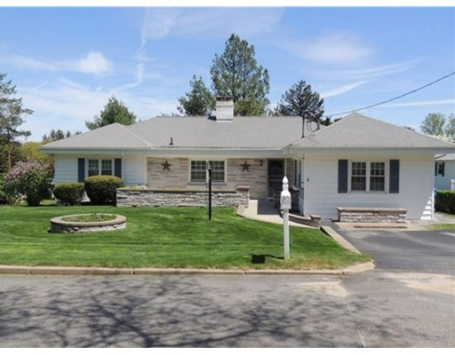 Single Family Home for Sale at 4 Hillside Road 4 Hillside Road Lincoln, Rhode Island 02865 United States