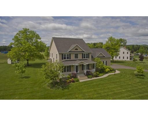 Casa Unifamiliar por un Venta en 107 Maximilian Drive Granby, Massachusetts 01033 Estados Unidos