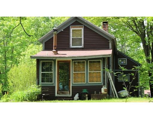 واحد منزل الأسرة للـ Sale في 3 Crow Hill Road 3 Crow Hill Road Monson, Massachusetts 01057 United States