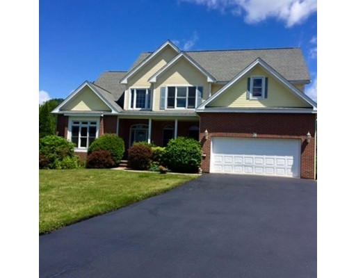 Частный односемейный дом для того Продажа на 37 Forestdale Road Paxton, Массачусетс 01612 Соединенные Штаты