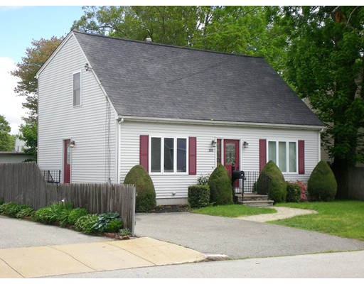 Additional photo for property listing at 722 Prospect Street  Fall River, Massachusetts 02720 United States
